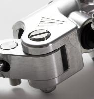マスターシリンダー 素材:A5052 A201 工程:設計/マシニング/5軸
