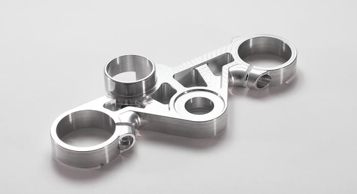 二輪車部品 素材:A2017 工程:5軸マシニング/設計